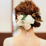 花嫁のウエディングヘッド装花