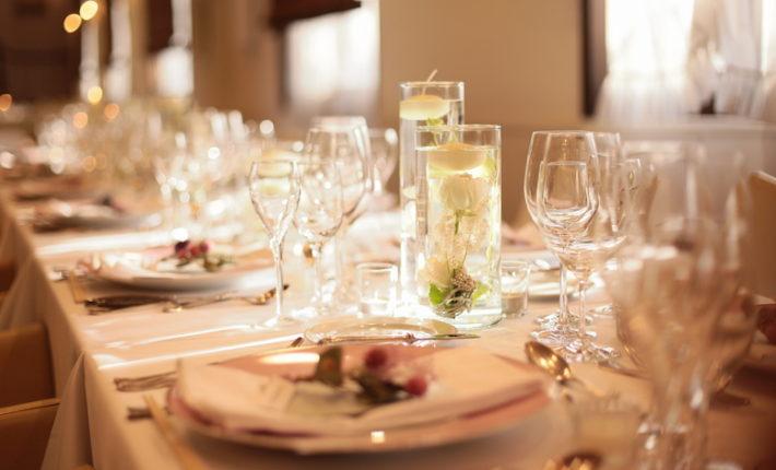 レストランウエディング、結婚式の料理、レストランウエディング北九州、レストランウエディング福岡、フリーウエディングプランナー福岡、福岡ウエディングプランナー、家族だけの結婚式、結婚式したくない、結婚式シンプルなコーディネート、パートナーと意見が合わない